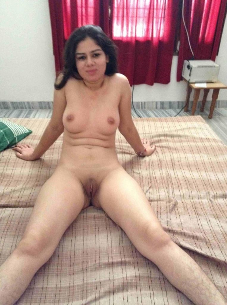 Indian wife nude cell phone